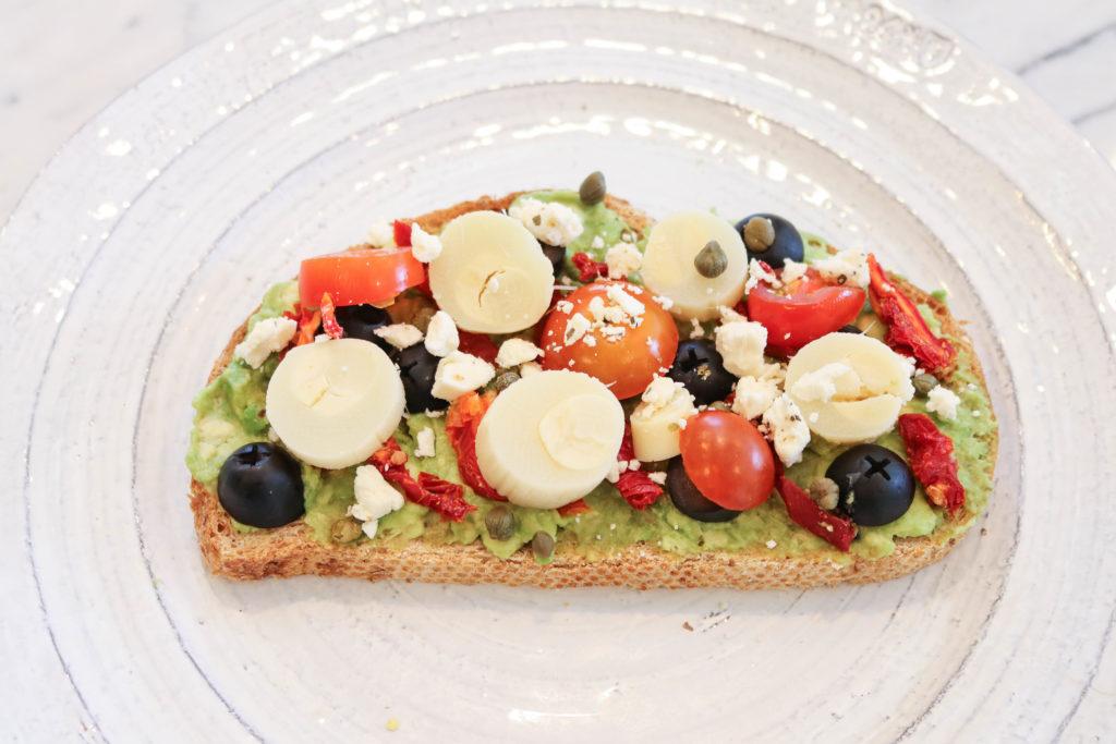 How To Set Up An Avocado Toast Bar | Vegan brunch | DIY bar | girl's brunch | easy brunch ideas |