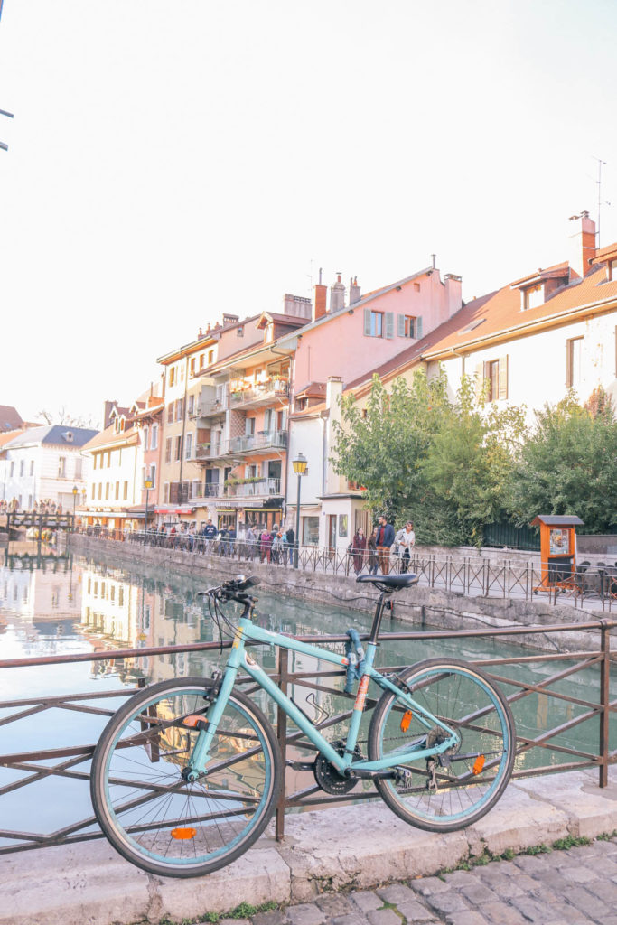 Guide to the charming fairy tale town of Annecy, France: the best things to do and where to eat