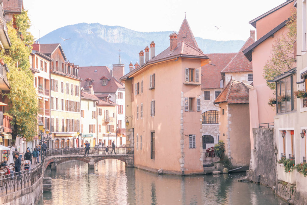 A Quick Guide to the Best Things to do in Annecy, France: the ultimate fairy tale town in Europe that is the perfect weekend trip from Geneva and Milan