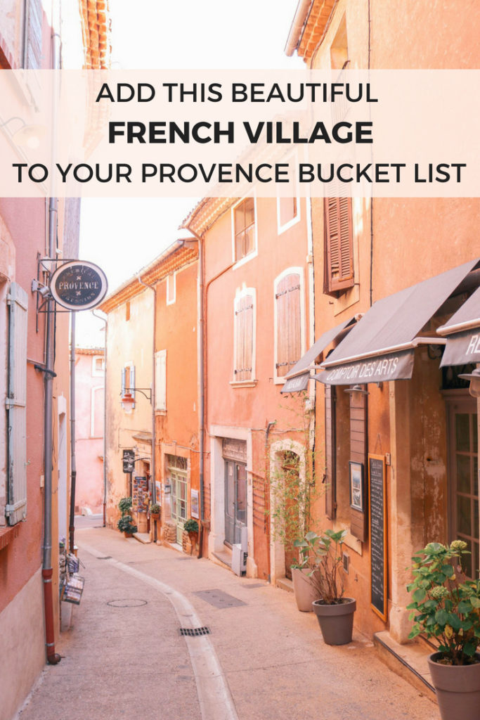 Add this beautiful french village to your Provence bucket list: Roussillon, France