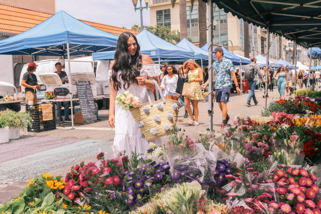 Pro tips for shopping at a farmers market
