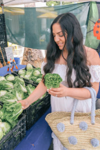 The best tips to shop a farmers market like a pro and get the best deals and produce