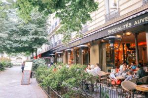 Etiquette tips for Paris, France
